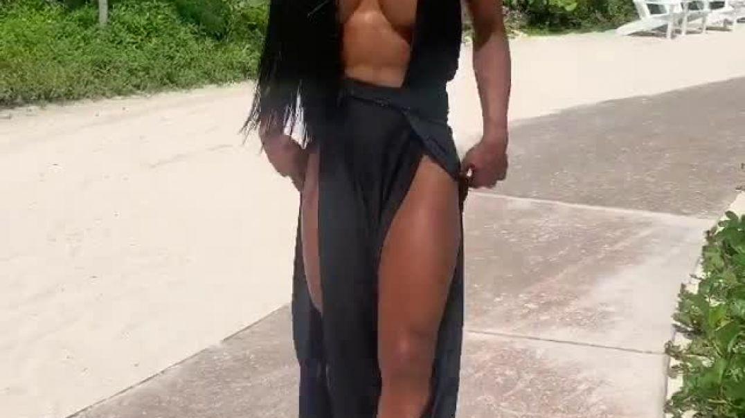 Yarnisha Femme Fatale