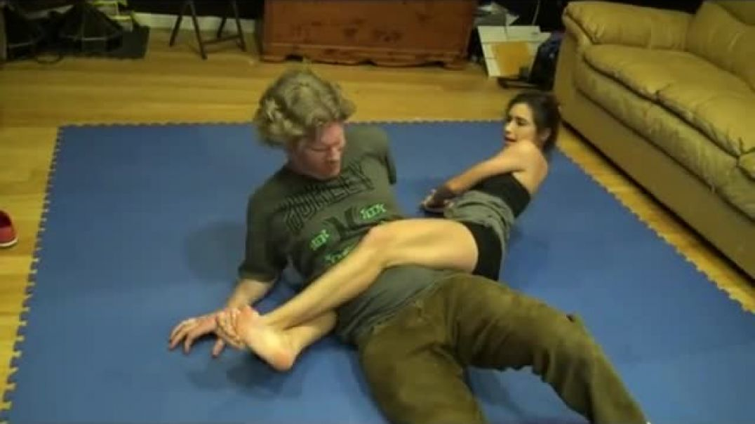 Relaxing Headscissors