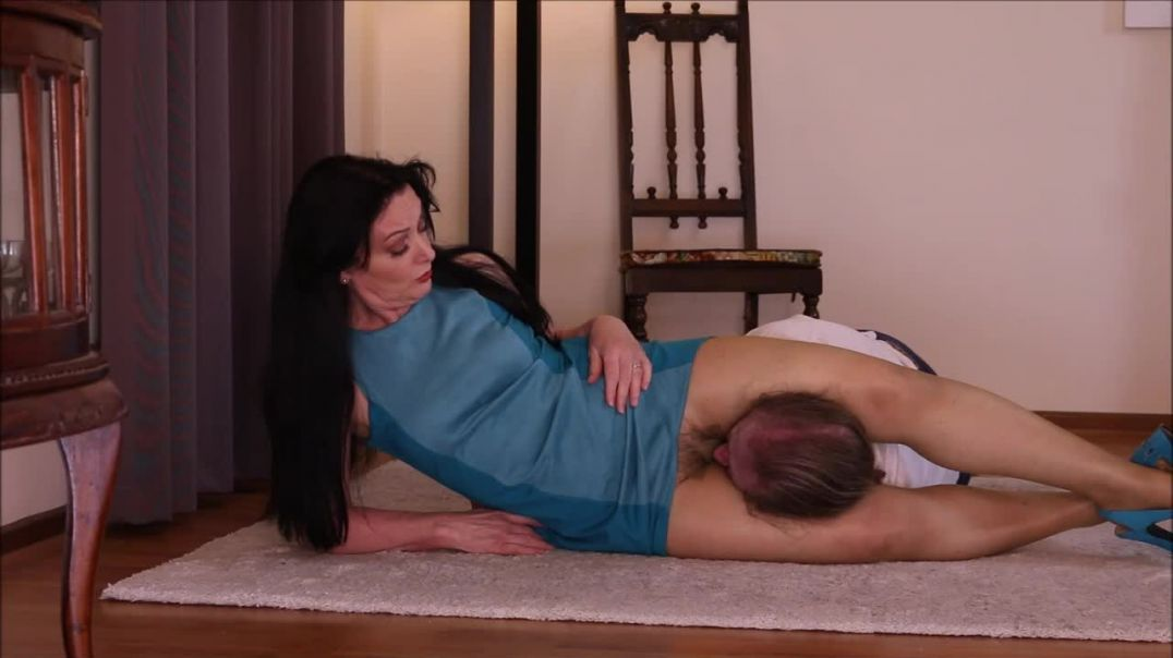 The Smothering and Scissoring Bully preview