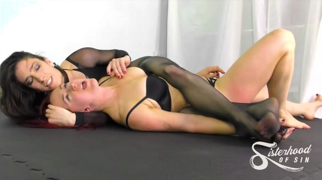 SOS0265 Smother and Suffer - Blaze takes Davina Carrington
