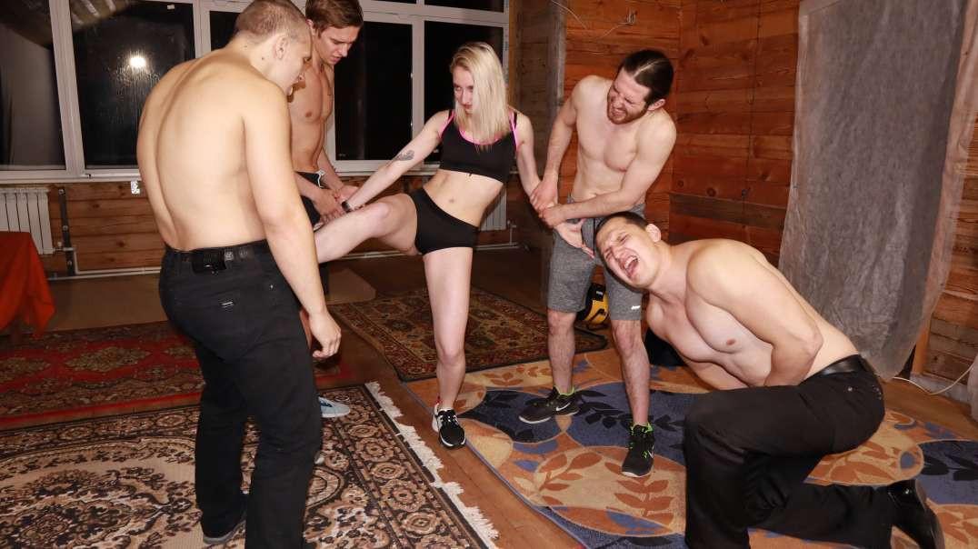 Jessica against four athletes