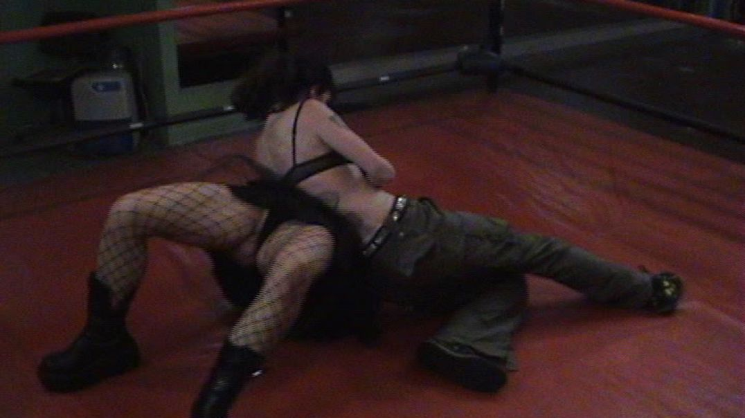 Ashes vs Shannon - Brawl Dolls 2006