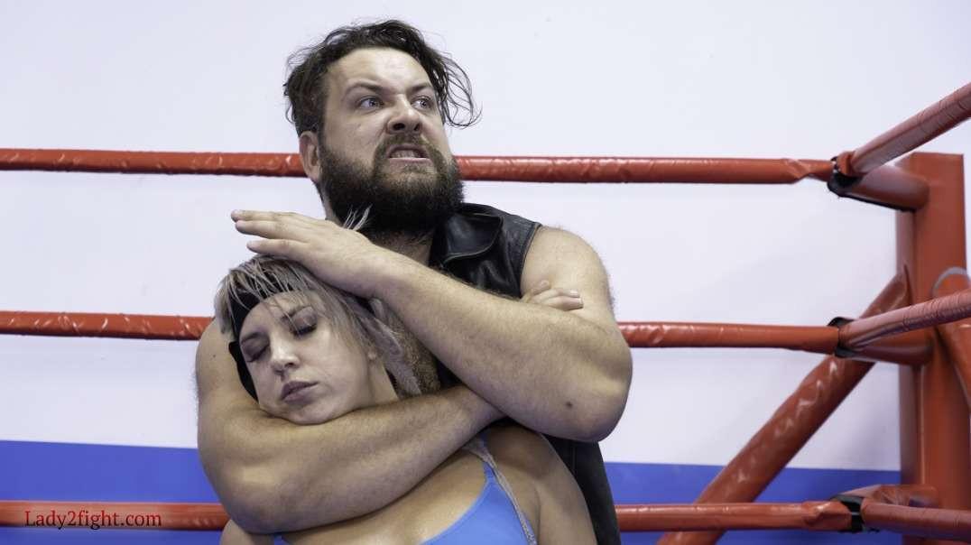 Wrestling match - Luna vs Igor. Part 3
