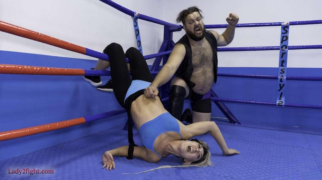 Wrestling match - Luna vs Igor. Part 2